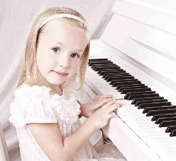 Little Girl At Piano, by BIGSTOCK, www.InTuneWithYou.com